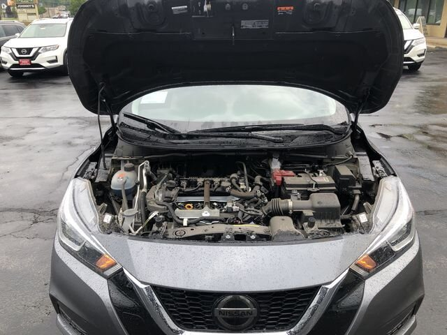 2020 KAD GUN METALLIC Nissan Versa SV 4 Door FWD Sedan Automatic