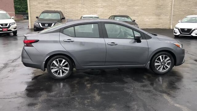 2020 KAD GUN METALLIC Nissan Versa SV Sedan 4 Door FWD