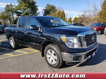 2018 Magnetic Black Nissan Titan SV 4 Door Truck Regular Unleaded V-8 5.6 L/339 Engine 4X4 Automatic