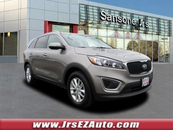 2016 Titanium Silver Kia Sorento LX AWD 4 Door Automatic SUV Regular Unleaded I-4 2.4 L/144 Engine