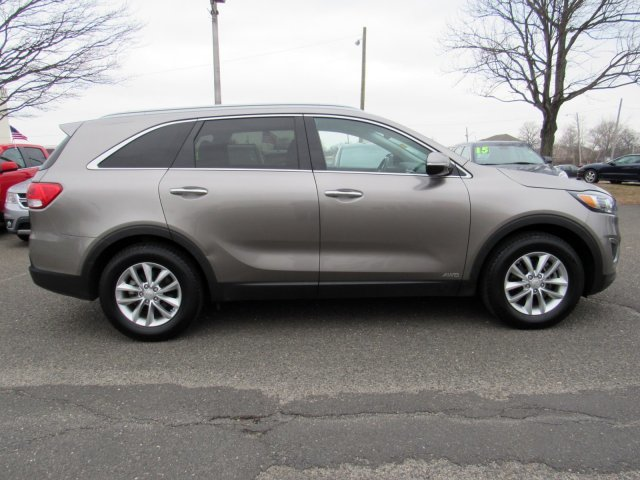 2016 Kia Sorento LX 4 Door Regular Unleaded I-4 2.4 L/144 Engine AWD