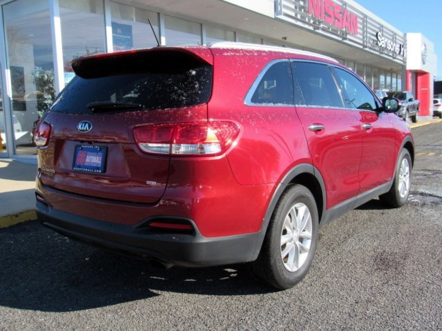 2016 Remington Red Kia Sorento LX Regular Unleaded I-4 2.4 L/144 Engine Automatic 4 Door SUV AWD