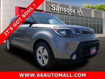 2015 Kia Soul Base FWD Regular Unleaded I-4 1.6 L/97 Engine Crossover 4 Door Automatic