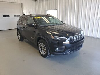 2019 Diamond Black Crystal Pearlcoat Jeep Cherokee Latitude Plus 4X4 SUV Automatic 4 Door