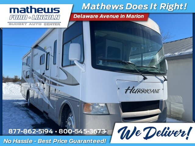 2009 White Ford HURRICANE CLASS A MOTORHOME Triton 6.8L V10 EFI SOHC 30V Engine RWD Specialty Vehicle Motorized Home Automatic