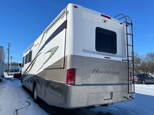 2009 White Ford HURRICANE CLASS A MOTORHOME Specialty Vehicle Motorized Home Triton 6.8L V10 EFI SOHC 30V Engine Automatic RWD