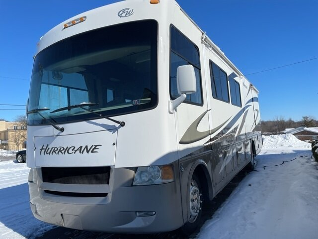 2009 Ford HURRICANE CLASS A MOTORHOME Triton 6.8L V10 EFI SOHC 30V Engine Automatic Specialty Vehicle Motorized Home