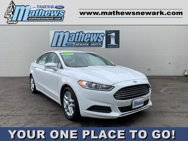 2015 White Ford Fusion SE Sedan FWD 2.5 L 4-Cylinder Engine Automatic 4 Door