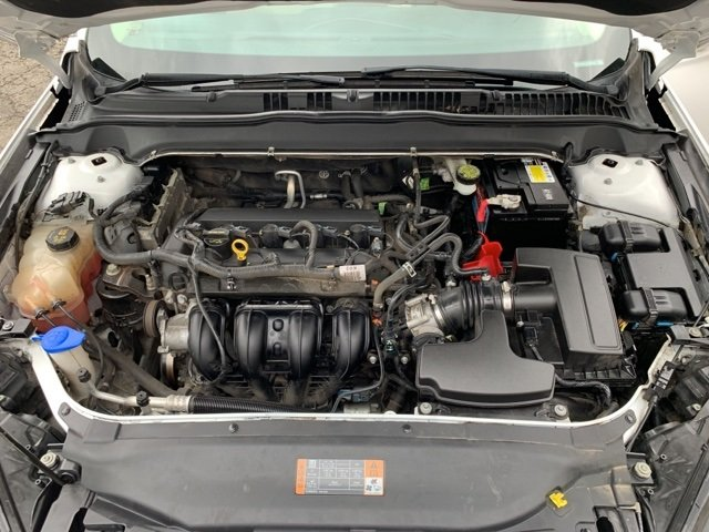 2015 Ford Fusion SE FWD 2.5 L 4-Cylinder Engine Sedan