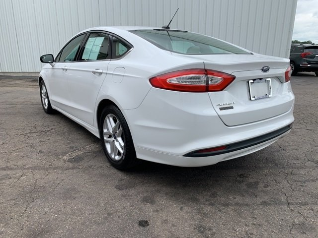 2015 Ford Fusion SE 4 Door Sedan FWD 2.5 L 4-Cylinder Engine Automatic