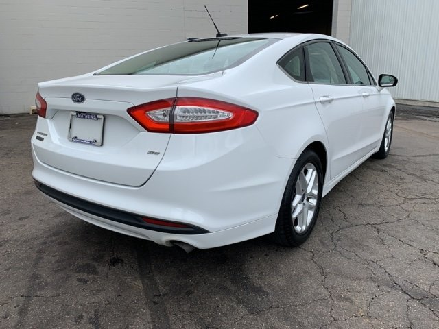2015 Ford Fusion SE FWD Automatic 2.5 L 4-Cylinder Engine Sedan 4 Door