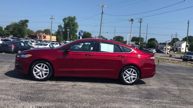 2016 Ruby Red Metallic Tinted Clearcoat Ford Fusion SE FWD Automatic 2.5L 4-Cyl Engine Sedan