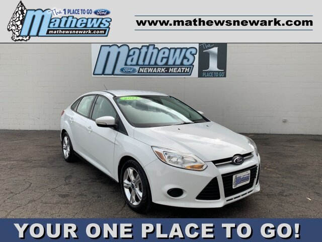 2014 Oxford White Ford Focus SE Sedan 2.0 L 4-Cylinder Engine 4 Door