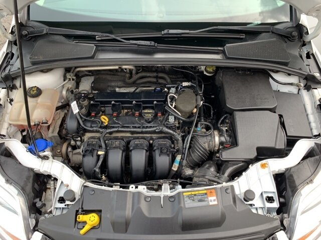 2014 Ford Focus SE 4 Door Sedan 2.0 L 4-Cylinder Engine