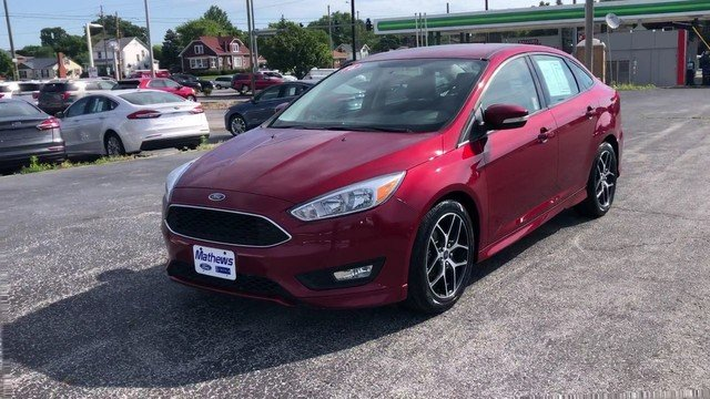 2016 Ruby Red Metallic Tinted Clearcoat Ford Focus SE Automatic Sedan 2.0L 4-Cyl Engine FWD