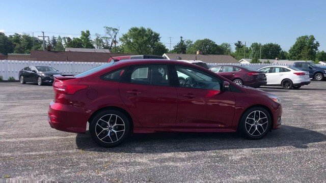 2016 Ruby Red Metallic Tinted Clearcoat Ford Focus SE Automatic Sedan 4 Door 2.0L 4-Cyl Engine FWD