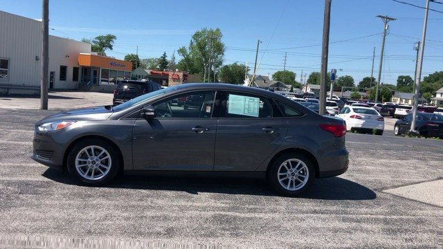 2017 Ford Focus SE FWD Sedan 2.0L 4-Cyl Engine Automatic