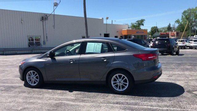 2017 Magnetic Metallic Ford Focus SE FWD 4 Door 2.0L 4-Cyl Engine