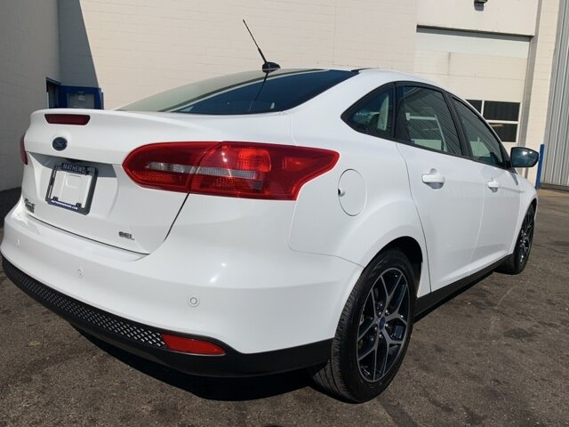 2017 White Ford Focus SEL Automatic Sedan 2.0 L 4-Cylinder Engine