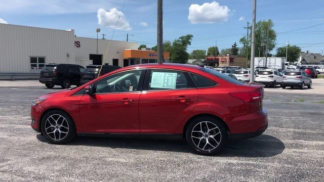 2018 Hot Pepper Red Metallic Tinted Clearcoat Ford Focus SEL Automatic Sedan 2.0L I-4 GDI Ti-VCT Engine