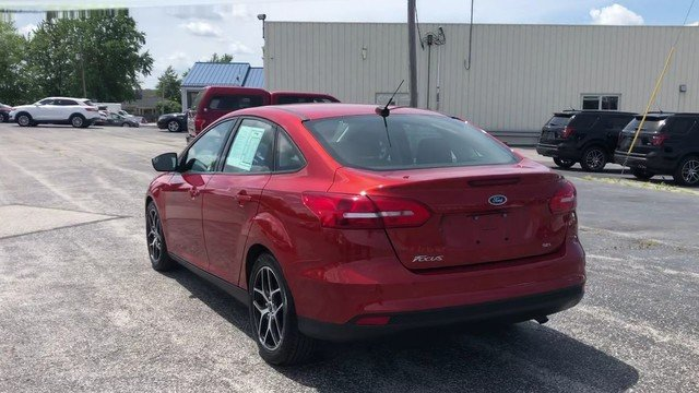 2018 Hot Pepper Red Metallic Tinted Clearcoat Ford Focus SEL Sedan FWD 2.0L I-4 GDI Ti-VCT Engine