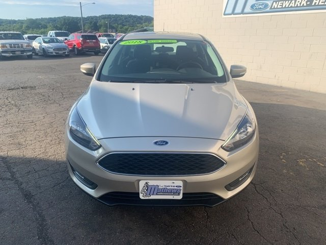2018 White Ford Focus SEL 2.0 L 4-Cylinder Engine Hatchback Automatic 4 Door