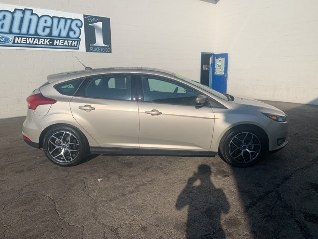 2018 White Ford Focus SEL Hatchback Automatic 2.0 L 4-Cylinder Engine 4 Door