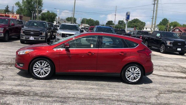 2018 Ford Focus Titanium Automatic 4 Door 2.0L 4-Cyl Engine Hatchback FWD