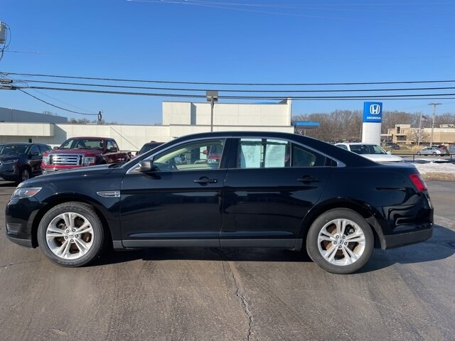 2018 Shadow Black Ford Taurus SE FWD Car 4 Door