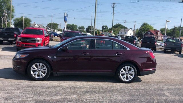 2011 Bordeaux Reserve Red Metallic Ford Taurus SEL Sedan Automatic 3.5L V6 Duratec Engine 4 Door FWD
