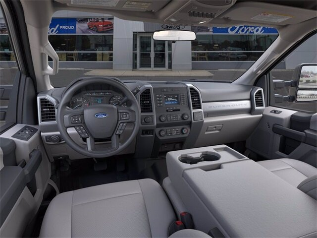 2020 Oxford White Ford Super Duty F-250 SRW XL 4 Door Automatic Truck