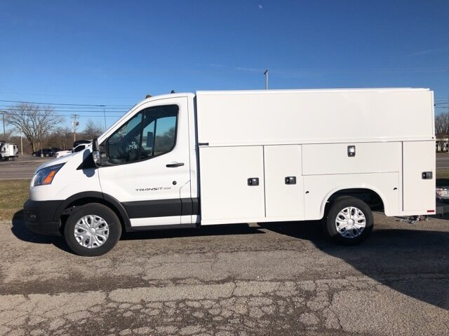 2020 Oxford White Ford Transit-350 Base V6 Engine 2 Door Automatic RWD Specialty Vehicle Cutaway