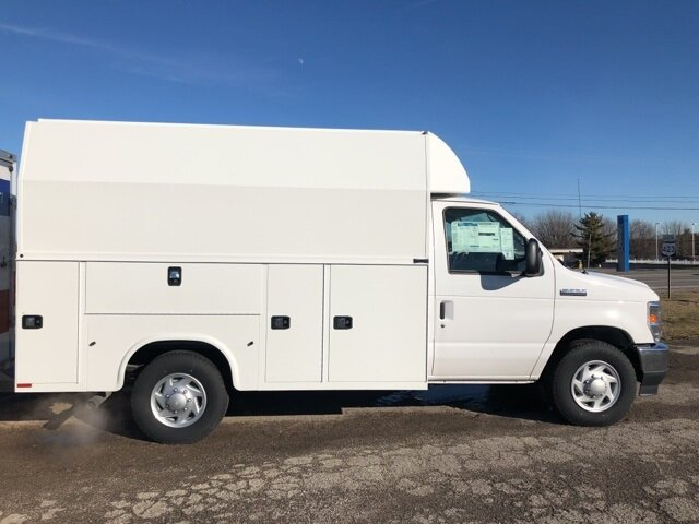 2021 Oxford White Ford E-350SD Base Automatic RWD 2 Door 7.3L V8 Engine Specialty Vehicle Cutaway