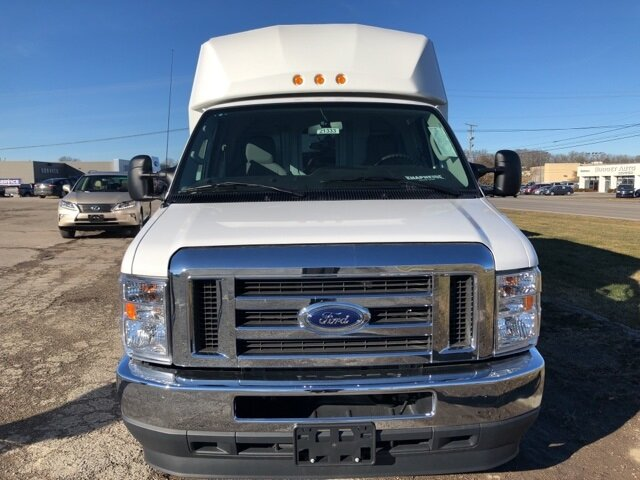 2021 Oxford White Ford E-350SD Base 7.3L V8 Engine Specialty Vehicle Cutaway RWD 2 Door