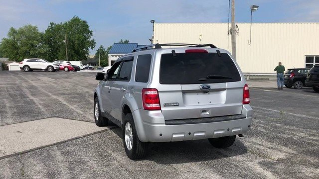 2011 Ingot Silver Metallic Ford Escape Limited 2.5L I4 Duratec Engine 4 Door FWD Automatic