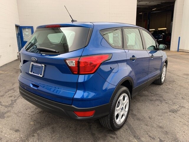 2019 Lightning Blue Metallic Ford Escape S FWD SUV 4 Door Automatic