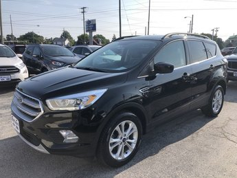 2017 Shadow Black Ford Escape SE FWD 4 Door Automatic