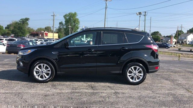 2017 Shadow Black Ford Escape SE FWD Automatic 4 Door SUV 1.5L 4-Cyl Engine