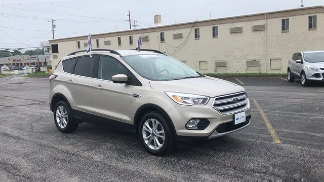 2018 White Gold Metallic Ford Escape SE 4 Door FWD 1.5L 4-Cyl Engine Automatic