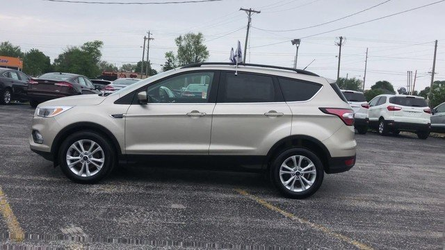 2018 White Gold Metallic Ford Escape SE 4 Door Automatic 1.5L 4-Cyl Engine