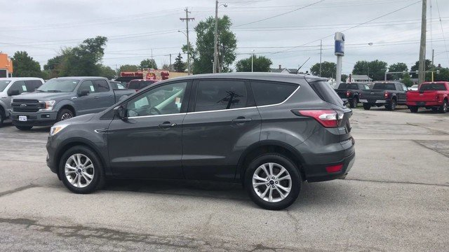 2017 Magnetic Metallic Ford Escape SE FWD 4 Door 1.5L 4-Cyl Engine SUV Automatic