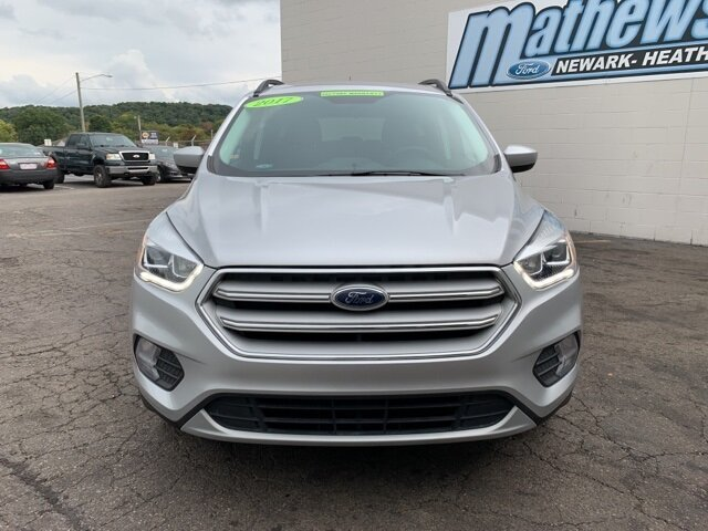 2017 Ingot Silver Metallic Ford Escape SE SUV 4 Door 1.5 L 4-Cylinder Engine Automatic FWD
