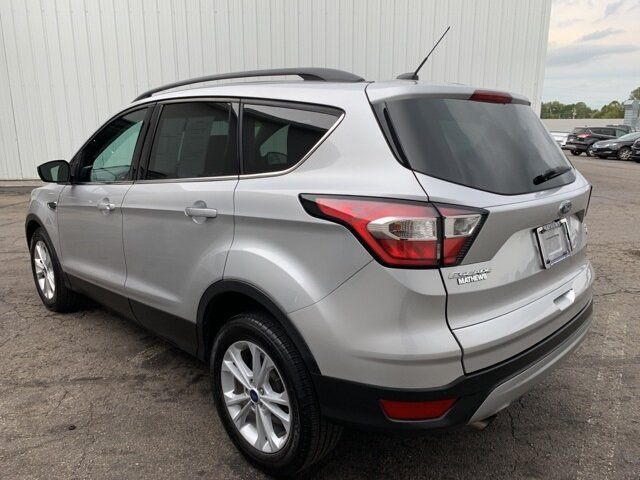 2017 Ingot Silver Metallic Ford Escape SE Automatic SUV FWD 1.5 L 4-Cylinder Engine