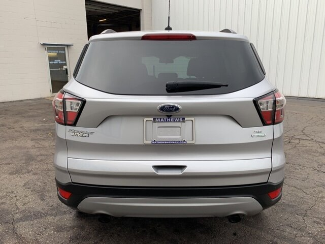 2017 Ingot Silver Metallic Ford Escape SE 4 Door 1.5 L 4-Cylinder Engine FWD SUV
