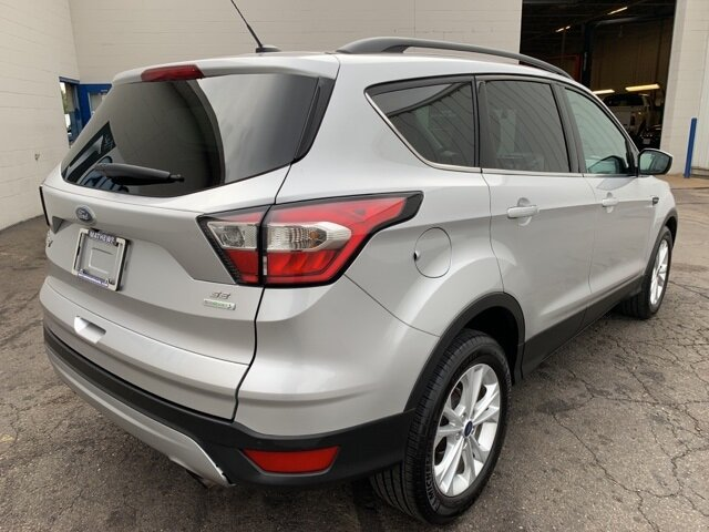 2017 Ingot Silver Metallic Ford Escape SE Automatic FWD SUV