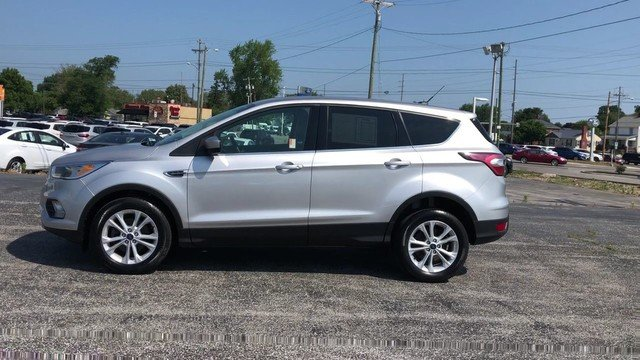 2017 Ingot Silver Metallic Ford Escape SE 1.5L 4-Cyl Engine SUV 4 Door FWD Automatic