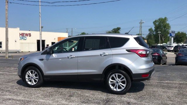 2017 Ingot Silver Metallic Ford Escape SE 4 Door Automatic FWD