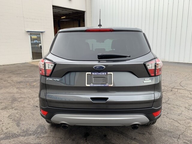 2017 MAGNETIC_GRAY Ford Escape SE 4 Door Automatic FWD 1.5 L 4-Cylinder Engine