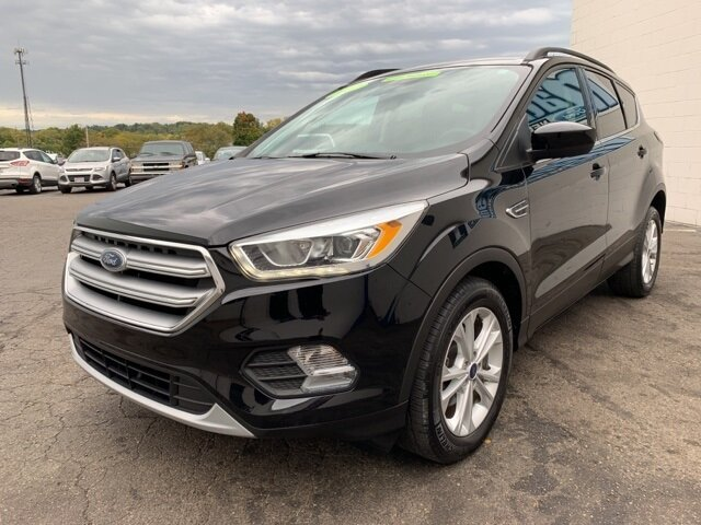 2017 SHADOW_BLACK Ford Escape SE SUV 4 Door FWD Automatic 1.5 L 4-Cylinder Engine