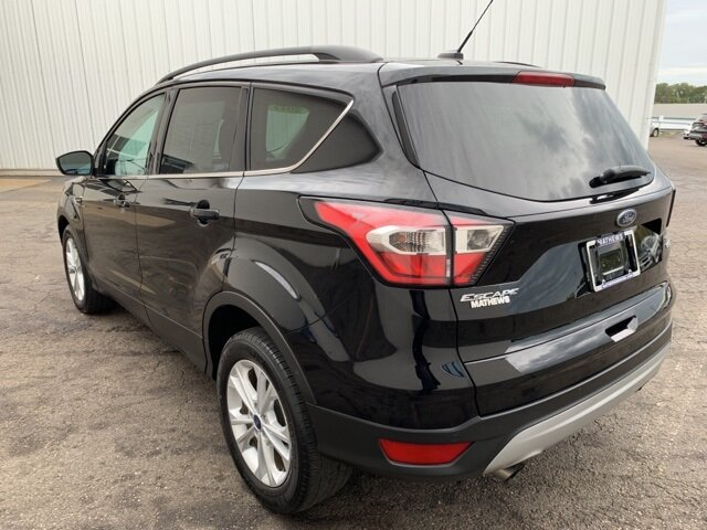 2017 SHADOW_BLACK Ford Escape SE FWD 4 Door 1.5 L 4-Cylinder Engine